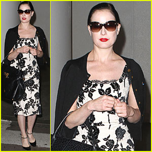 Dita Von Teese: Whirlwind Worldwide Travels!