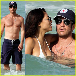 Dylan McDermott: Miami with Mystery Woman!