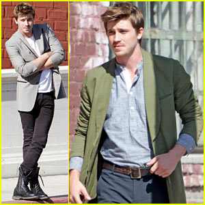 Garrett Hedlund: Photo Shoot Sexy