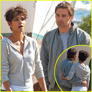 Halle Berry & Olivier Martinez: Kissing Couple