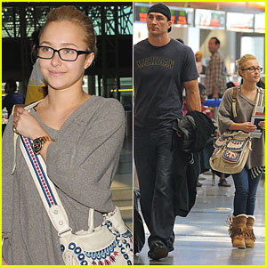 Hayden Panettiere: Liftoff at LAX!