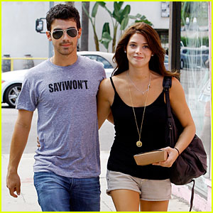 Is ashley greene getting married to joe jonas dating