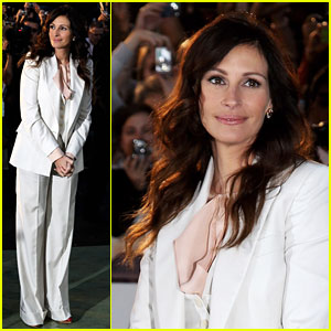 Julia Roberts Suits Up For 'Eat Pray Love'