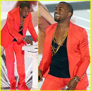 Kanye West's VMAs Performance -- VIDEO