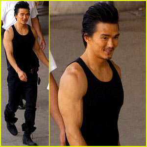 Karl Yune: 'Real Steel' Muscles!
