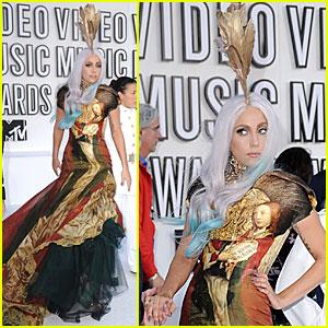 Lady Gaga - MTV VMAs 2010 Red Carpet