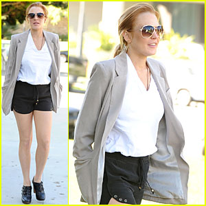Lindsay Lohan: Hosting 'SNL' in December?
