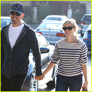 Reese Witherspoon: RRL Shopping Spree with Jim Toth!