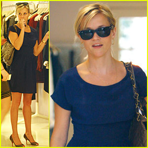 Reese Witherspoon Gets Ready for War