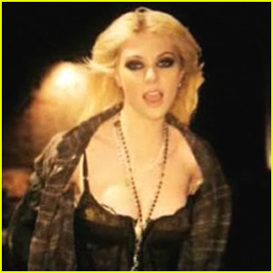 Taylor Momsen: 'Make Me Wanna Die' Music Video Premiere