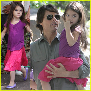Suri Cruise: Central Park Playground Time!