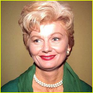Barbara Billingsley: June Cleaver Dies at 94