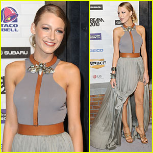 Blake Lively: Scream Awards with Ryan Reynolds!