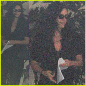 Courteney Cox Heads Out Without Her Wedding Ring