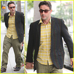 Ringless David Arquette Steps Out with Coco