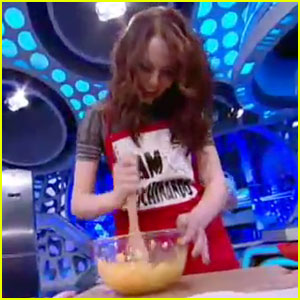 Emma Stone: What's Cookin' in Spain?