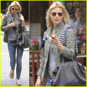 Gwyneth Paltrow: Nervous for Country Singing Debut