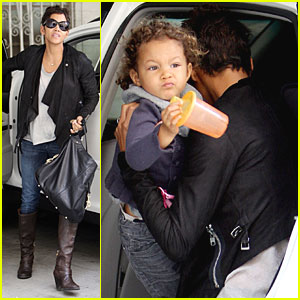 Halle Berry: Rainy Day Drive with Nahla!