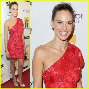Hilary Swank: Red Hot at Hollywood Awards Gala!