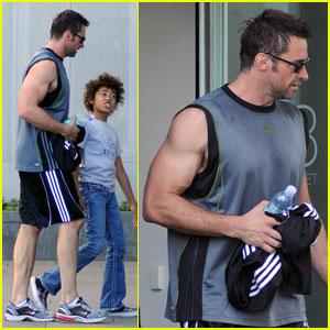 Hugh Jackman: Gym Trip with Ava and Oscar!