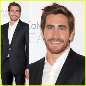 Jake Gyllenhaal Suits Up for Elle's Women in Hollywood Tribute