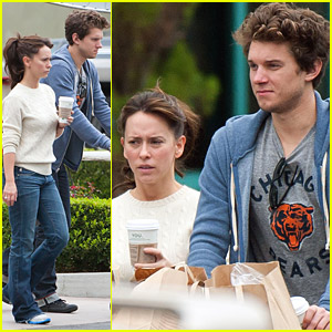 Jennifer Love Hewitt & Alex Beh: Groceries Run!