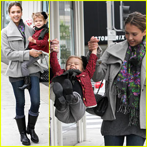 Jessica Alba Plays 'One, Two, Three... UP' with Honor