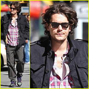 John Mayer Checks Out Chinatown