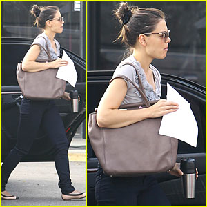 Katie Holmes: Up Bright and Early for 'Jack and Jill'