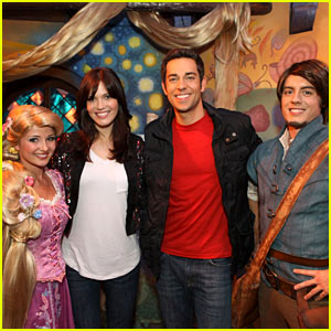 Mandy Moore & Zachary Levi Meet Their 'Tangled' Counterparts