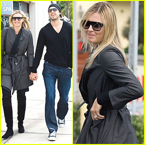 Maria Sharapova Shows Off Huge Engagement Ring
