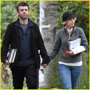 Rachel McAdams &#038; Michael Sheen: Holding Hands!