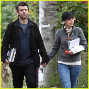 Rachel McAdams & Michael Sheen: Holding Hands!