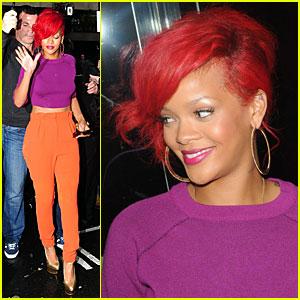Rihanna: SNL Halloween Performance!