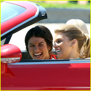 AnnaLynne McCord & Shenae Grimes: Bentley Babes!