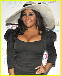 Snooki: Community Service Autograph Session!
