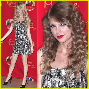 Taylor Swift: Check Out My Wax Figure!