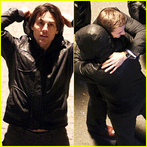 Tom Cruise & Jeremy Renner Hug It Out