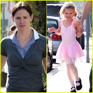 Jennifer Garner & Violet Affleck: Tutu Cute!