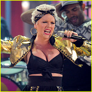 AMAs Performance Videos 2010 -- Watch Now!