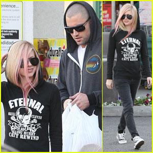 Avril Lavigne & Brody Jenner: Thanksgiving Shoppers