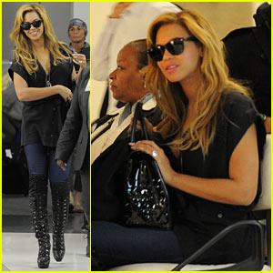 Beyonce & Kim Kardashian: First Class Flight!