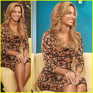 Beyonce Wears Four Pairs Of Stockings While Performing