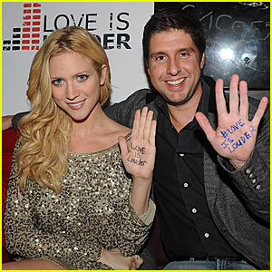 Brittany Snow: 'Love is Louder' Lounge!