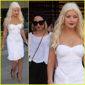 Christina Aguilera & Nicole Richie: Boa BFFs