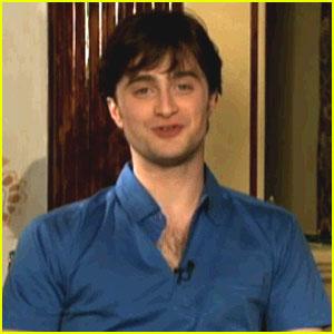 Daniel Radcliffe & Co-Stars Try 'American Talk'