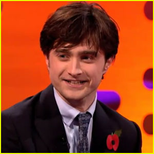 Daniel Radcliffe Sings 'Elements' on Graham Norton Show!