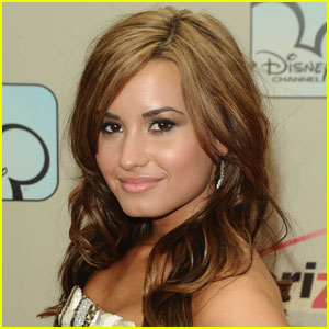 Demi Lovato Enters Treatment Center