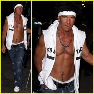 Dennis Quaid: Shirtless 'Jersey Shore' Guido for Halloween!