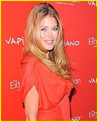 Doutzen Kroes Ties The Knot
